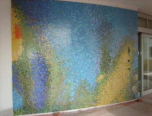 Mosaico in tessere di vetro spezzato a Reggio Emilia, cm 300x1100