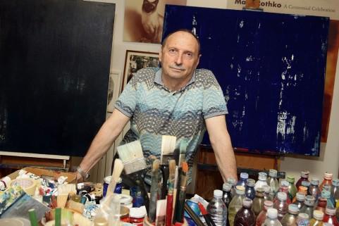 Erio Carnevali nel suo studio di Modena - Fotografia ©Elisabetta Baracchi